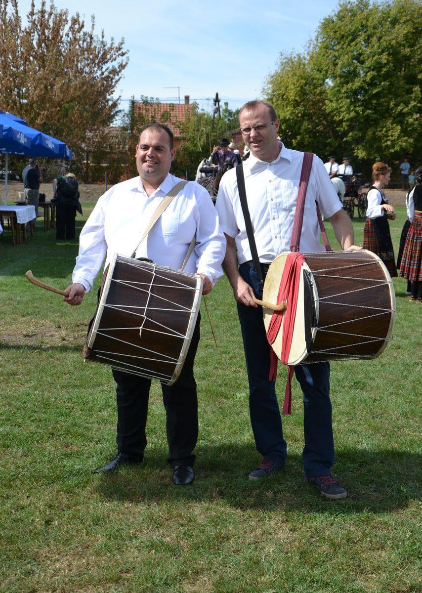 Folklorni_festival_RAVNICA_KUD_NERA_Novi_SadDSC_0378