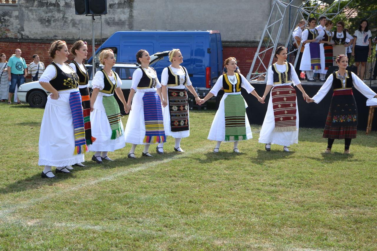 Folklorni_festival_RAVNICA_KUD_NERA_Novi_SadDSC_0400