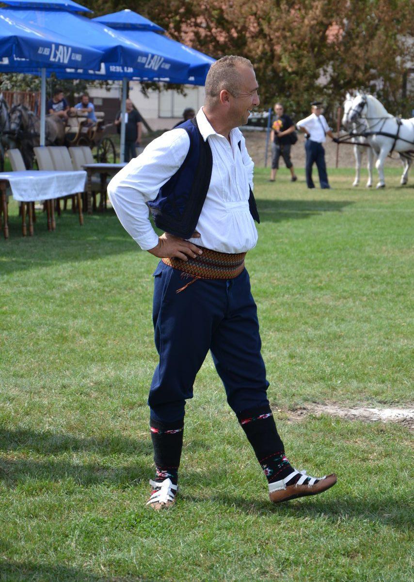 Folklorni_festival_RAVNICA_KUD_NERA_Novi_SadDSC_0423