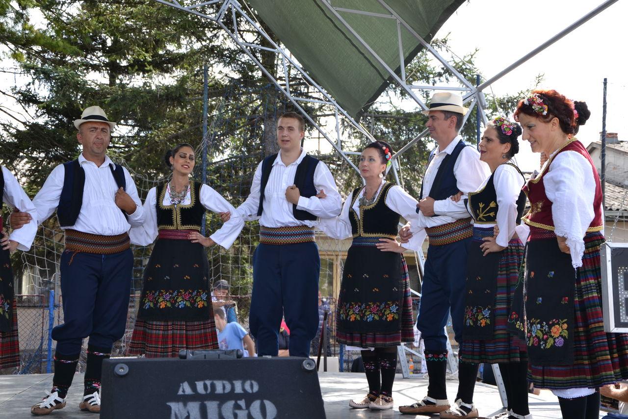 Folklorni_festival_RAVNICA_KUD_NERA_Novi_SadDSC_0512